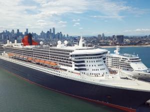 Cunard Queen Mary 2 in Melbourne Australia